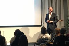 Dan Katz föreläser om årets förvillare  - Omgiven av idioti, 7 feb 2019