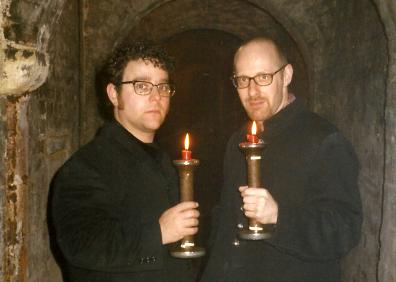 Andy Nyman och Richard Wiseman gör sig redo att åkalla andarna